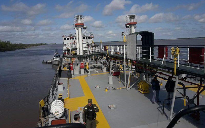 Detuvieron un barco sospechado de trasladar droga desde Paraguay y bajarla en Santa Fe