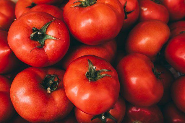 piel del tomate acido urico