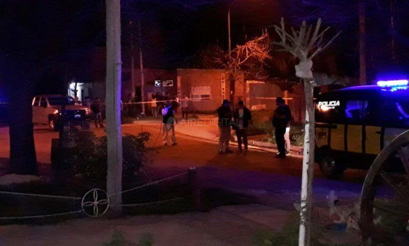 Asesinaron a balazos a un joven mientras circulaba en moto en barrio Liceo Norte