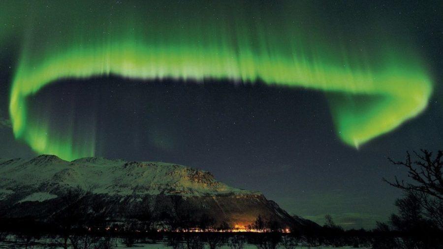 Un extraño destello en el cielo: ¿de dónde llega la luz más lejana del Universo?
