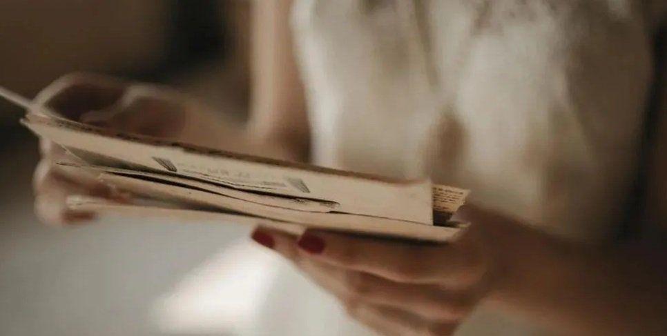 Quemó las cartas de su ex, se fue a dormir y cuando despertó se encontró con lo peor