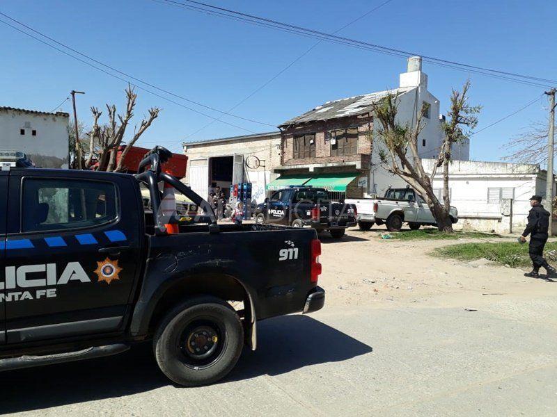 Se enfrentaron a los tiros en Santa Rosa de Lima y tres personas resultaron heridas