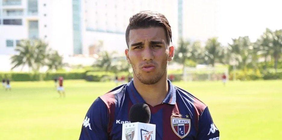 Un futbolista argentino murió trágicamente tras caer al vacío