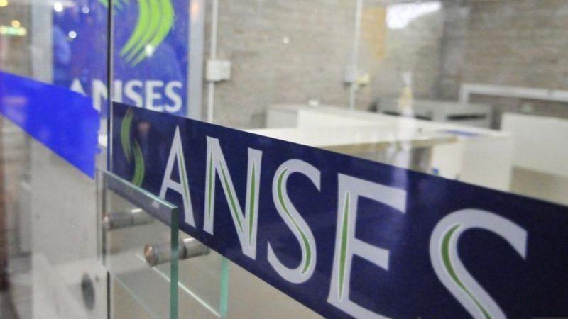 El Gobierno vuelve a financiarse con fondos del Anses por más de $15.000 millones