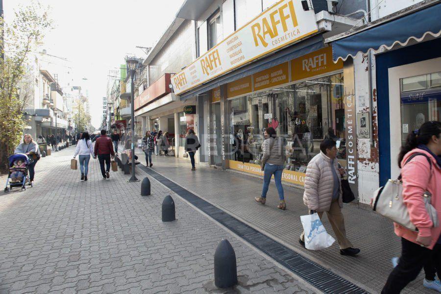 En Santa Fe, los comercios acumulan 21 meses consecutivos de caída en las ventas