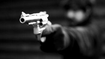 Violenta entradera a un matrimonio en un barrio residencial de Santa Fe