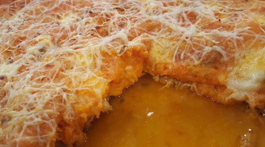 Pastel de pollo, queso y calabaza