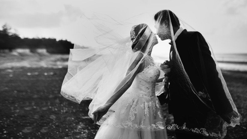 Se casaron, tuvieron un accidente a los cinco minutos y murieron los dos