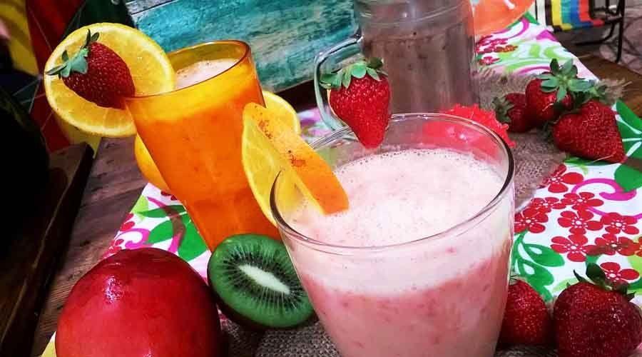 Licuado de frutillas con leche condensada