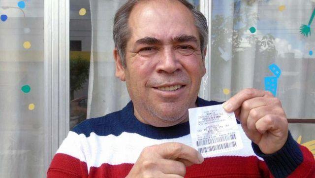 Le rezó a un santo para ganar la lotería y a los 5 minutos le avisaron que ganó $44 millones