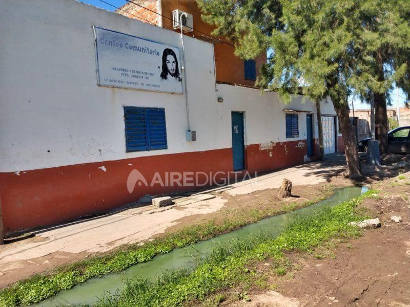 Los residuos cloacales afectan un centro comunitario de barrio Piquete y Las Flores