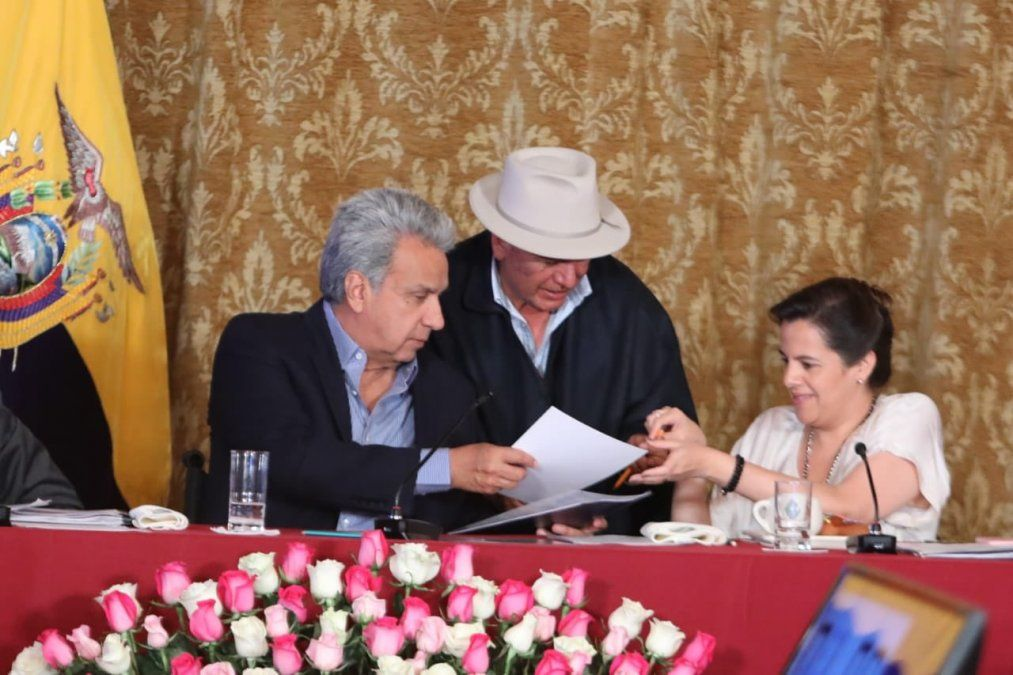 En Ecuador no habrá más recortes económicos hasta terminar las negociaciones con todos los sectores sociales