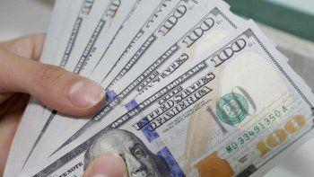 El dólar comenzó la semana con un leve aumento: cerró en $63,07