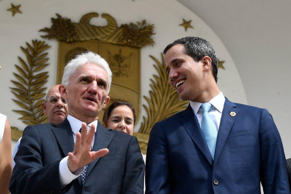 El jefe de asuntos humanitarios de la ONU se reunió con Guaidó en Venezuela