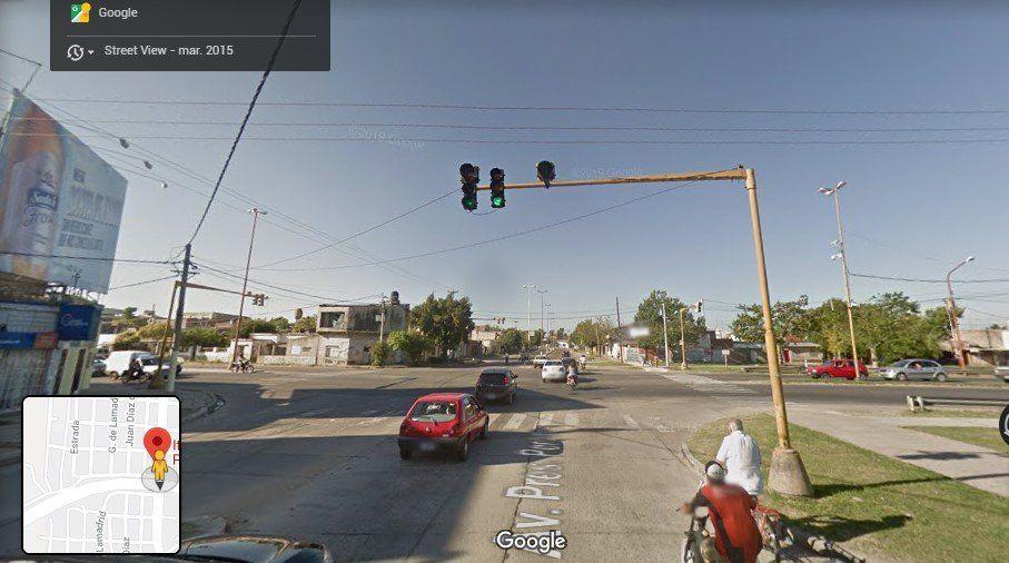 Chocaron una camioneta y una moto con tres jóvenes a bordo en Avenida Pte. Perón e Iturraspe