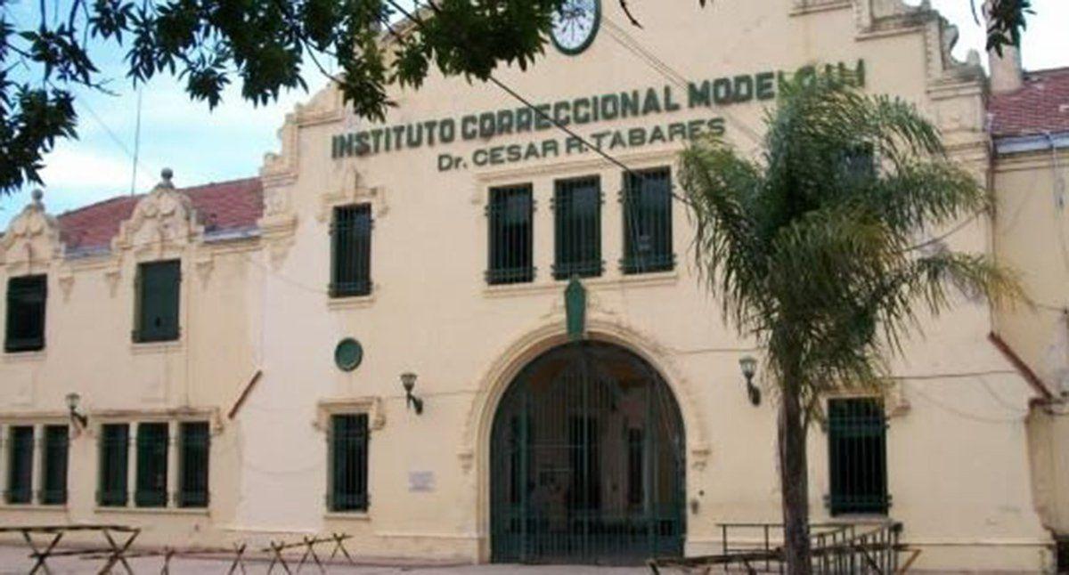 Internos de la Cárcel de Coronda se enfrentaron en el patio de la Penitenciaría y hay dos heridos graves