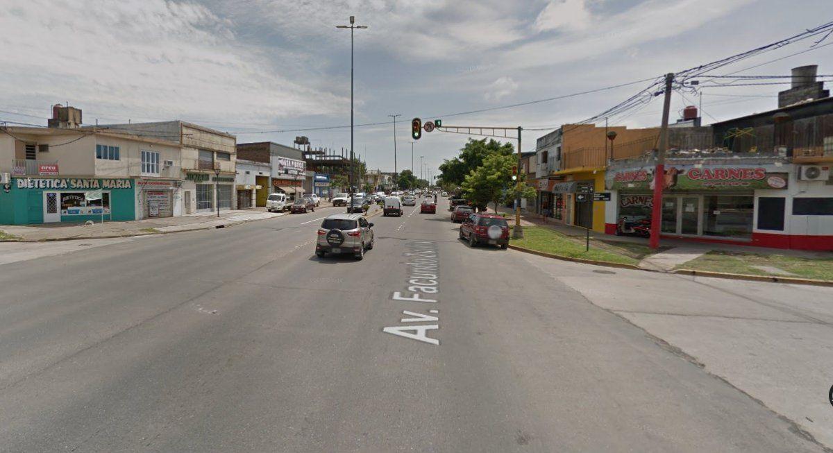 Intersección de Avenida Facundo Zuviría y Ángel Cassanello.