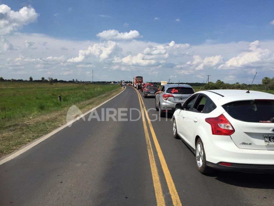 Éxodo sabalero: colas de 10 kilómetros sobre la Ruta 11 para pasar a Paraguay