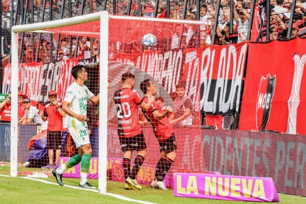 Newells se recuperó en casa y derrotó 2-0 a Defensa y Justicia