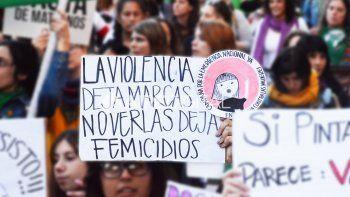 Más mujeres piden ayuda por violencia, pero el futuro de las políticas de Género es incierto