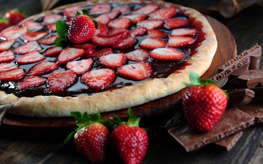 Recetas de pizzas dulces: anímate a darle un giro al clásico más delicioso
