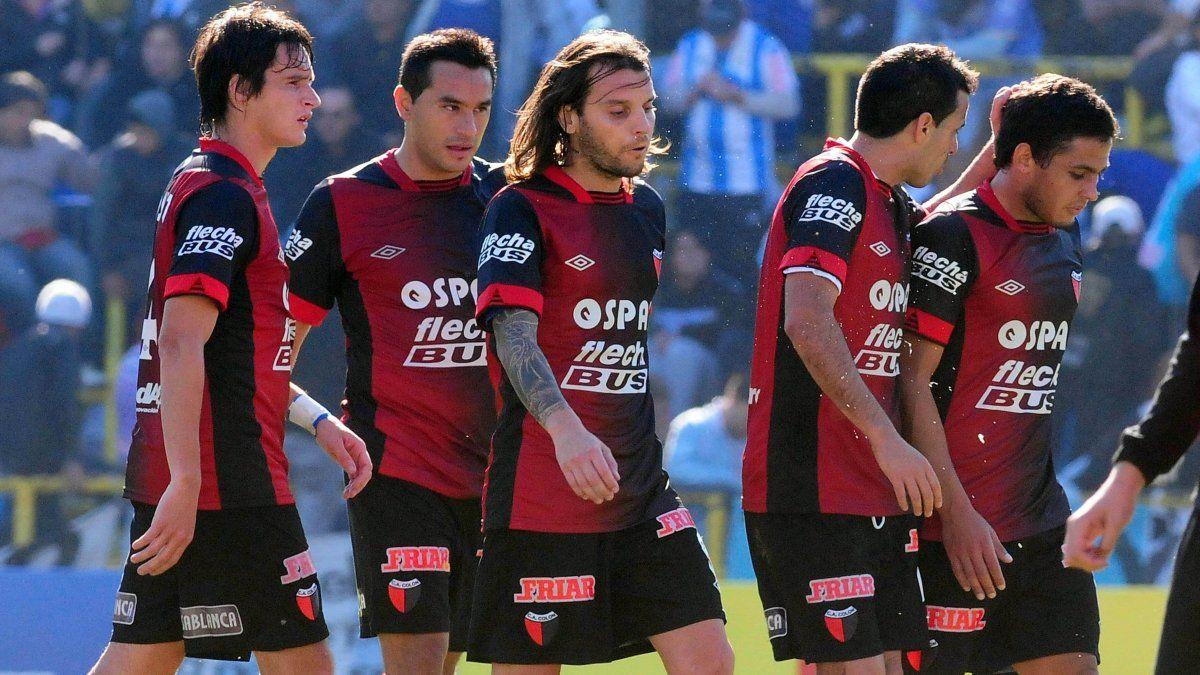 Echaron a un ex jugador de Atlético Rafaela por ir a ver a Colón en Asunción - Aire de Santa Fe - La Gran Radio
