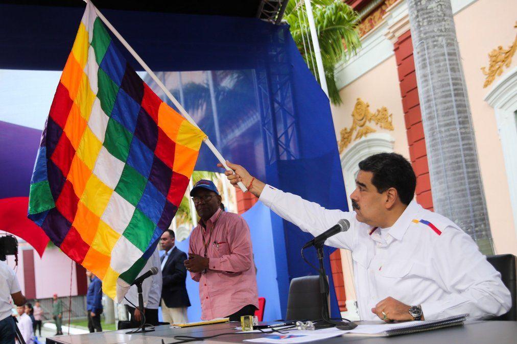 Maduro instó a los militares de Bolivia a restituir a Evo Morales en el poder