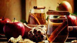 beneficios que el te de manzana y canela le aporta a tu salud