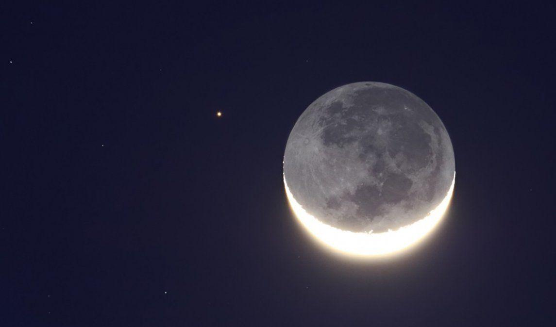 La Luna y Aldebarán desde Kifisia