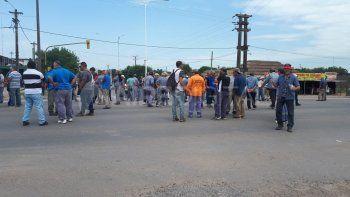 Municipales cortan la ruta 11 a la altura de San Justo por reclamos salariales