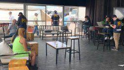 dos hombres y una mujer detenidos por prostitucion vip en el turismo nacional