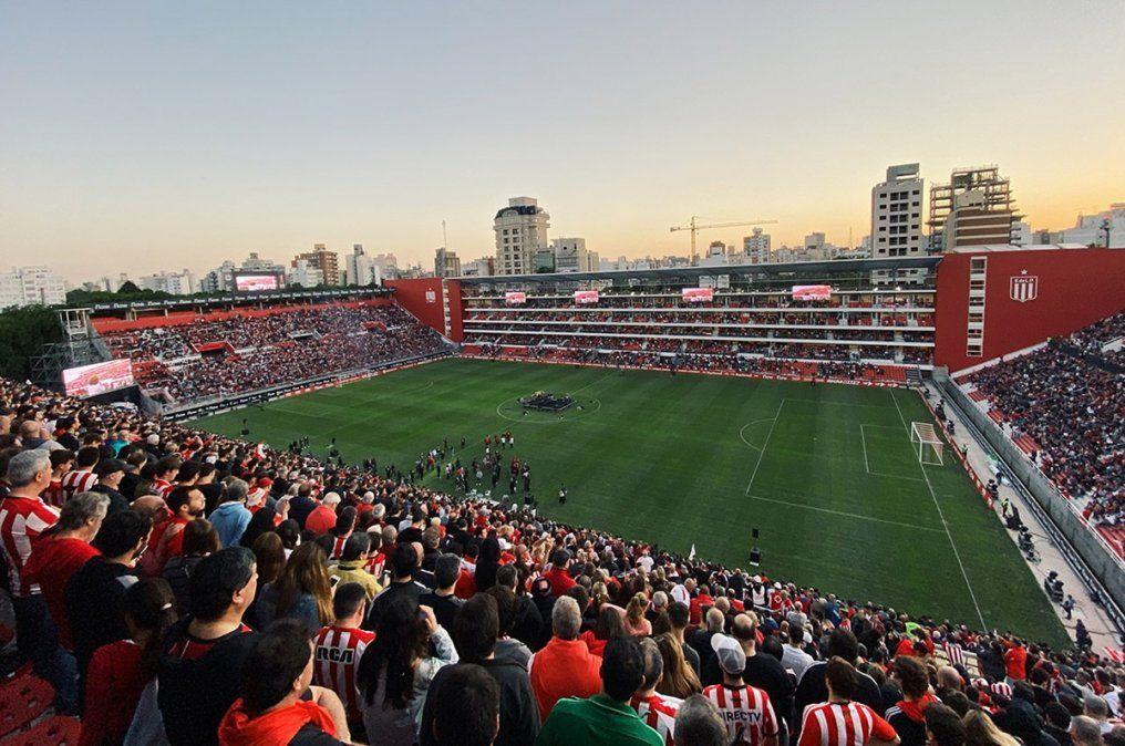 Estudiantes denunció un ataque al remodelado estadio de 1 y 57