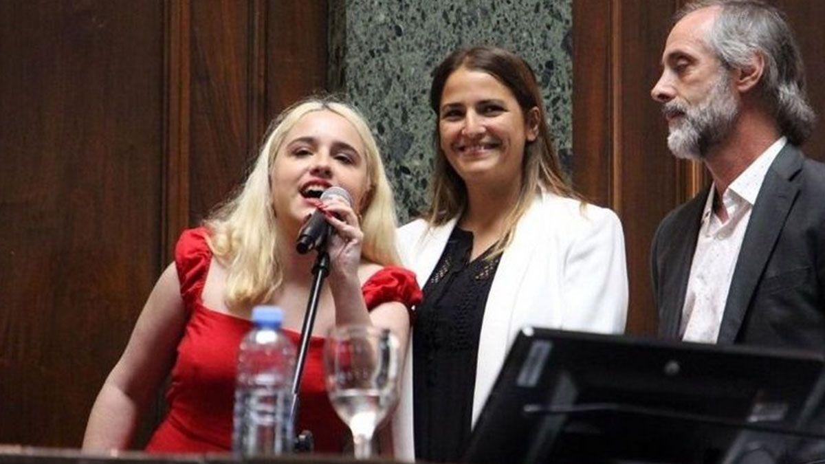 Ofelia Fernández juró como legisladora porteña y se convirtió en la diputada más joven de América Latina