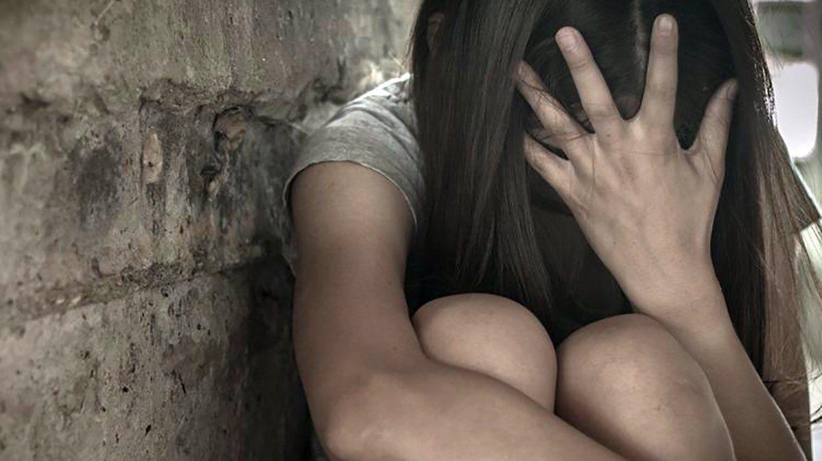 Salió de un boliche, la violaron en manada y la abandonaron en una plaza en Luján