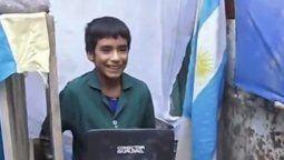 la historia mas inspiradora: un nino de 12 anos fundo una escuela en el fondo de su casa