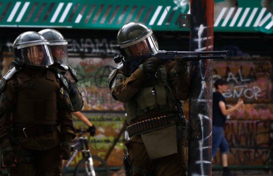 El Gobierno de Chile evalúa dotar a la Policía de nuevas armas no letales