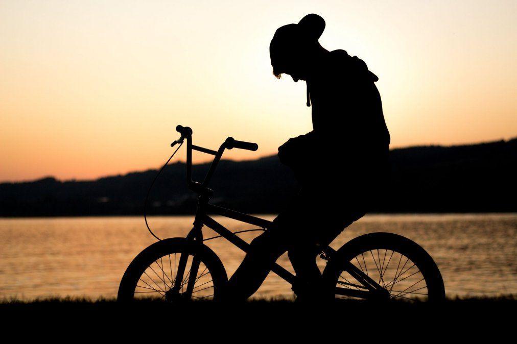 Viajó desde Alemania para recorrer la cordillera en bici y le robaron todo