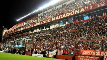 Allanaron la sede de Argentinos Jrs. por supuestas irregularidades en transferencias de jugadores