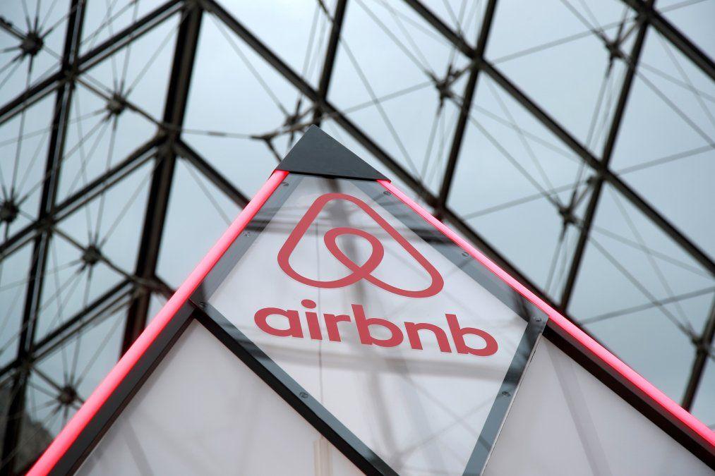 Airbnb limitará las fiestas permitidas en sus propiedades tras un incidente en Halloween