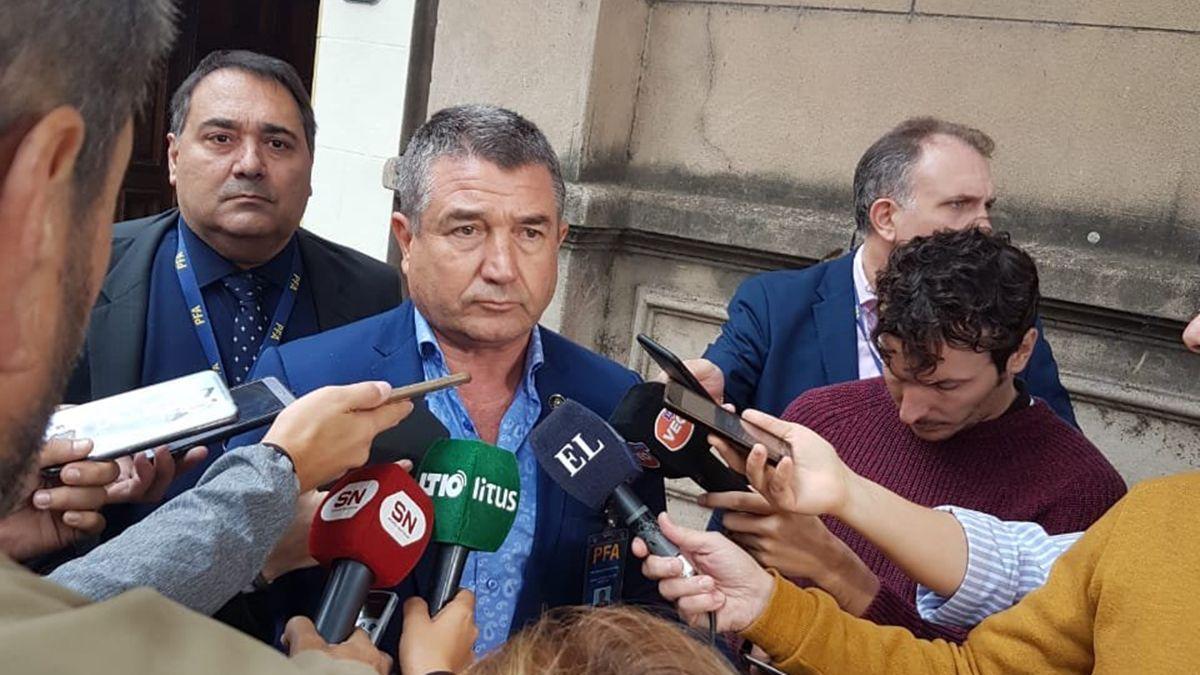 El jefe de la PFA, Néstor Roncaglia, durante su paso por la ciudad de Santa Fe el 9 de mayo.