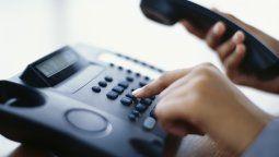 ¡insolito! detuvieron a jubilado por llamar 24.000 veces a su compania de telefono