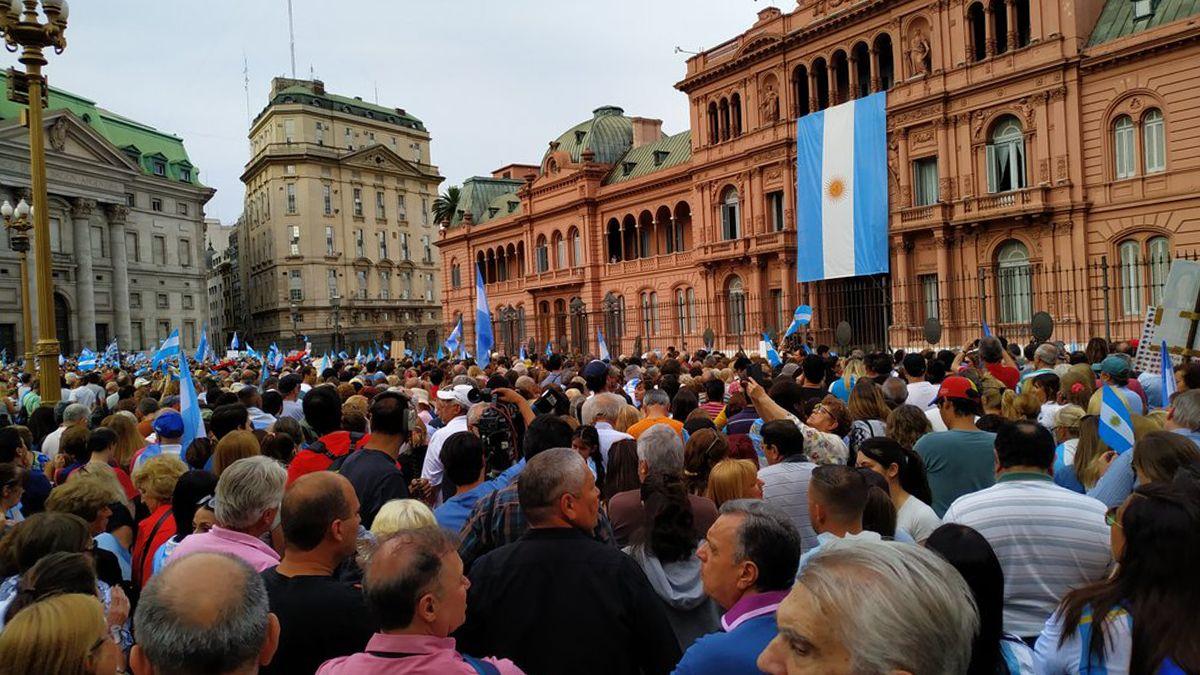 Macri encabeza su marcha de despedida Más juntos que nunca en Plaza de Mayo