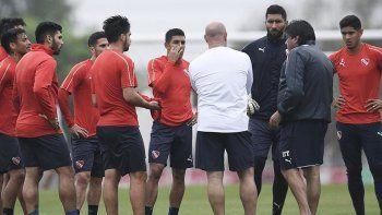Los jugadores de Independiente evalúan no entrenar por falta de pago