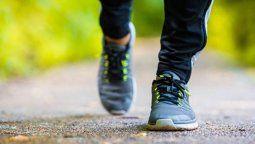 caminar adelgaza: el complemento ideal de la dieta