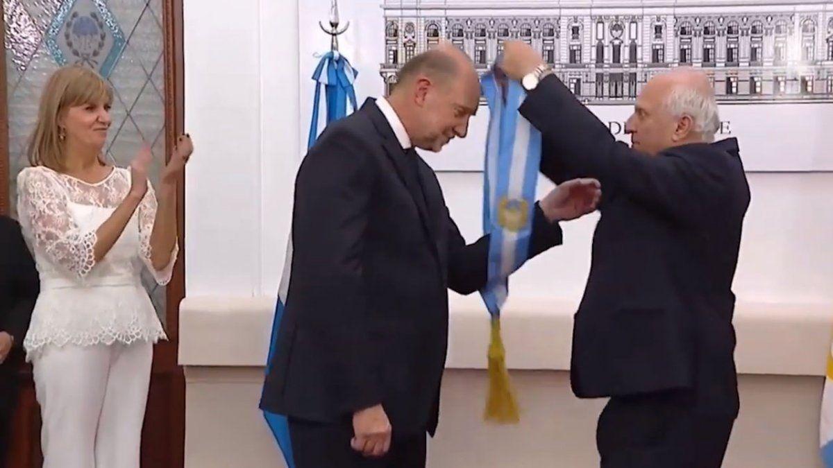 Los más cercanos a Miguel Lifschitz aseguran que el exgobernador se sintió dolido por las palabras de Omar Perotti el día de su asunción.