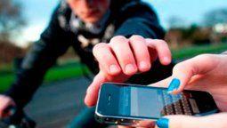 un smartphone robado le manda a su dueno un video del ladron