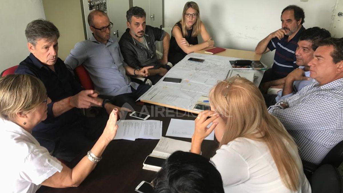 El equipo de emergencia del Municipio se reunió en la mañana de este lunes en el CIC de Facundo Zuviría. Estuvieron también el ministro de Salud