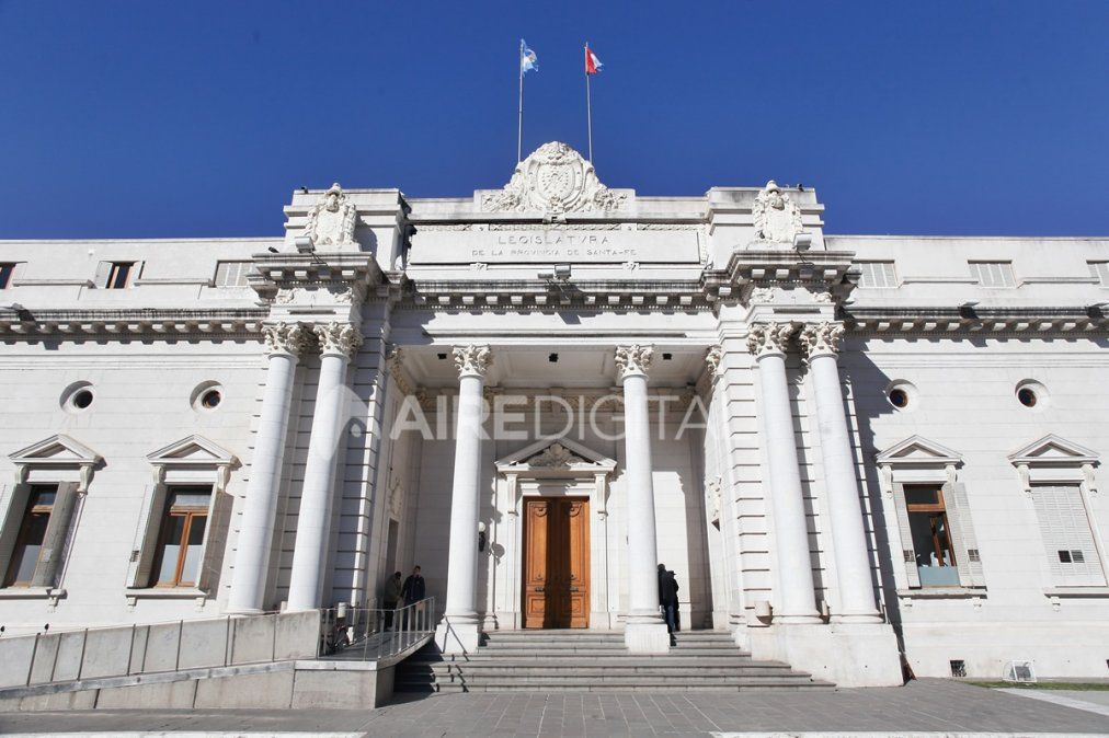 Santa Fe, Buenos Aires y el país ponen en revisión su estructura de impuestos e ingresos