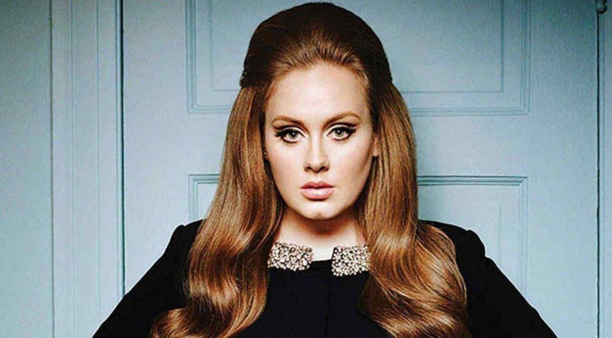 Adele reapareció en una fiesta y su cambio es asombroso: ¡es otra mujer!