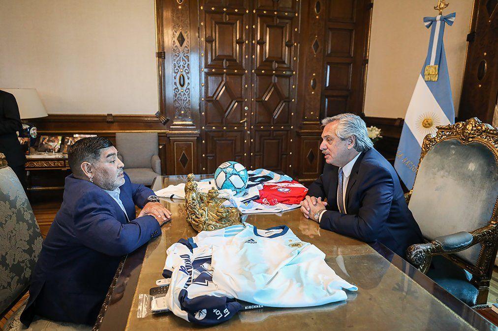 Maradona bancó a Alberto: Es el capitán el que tiene que salir a demostrar
